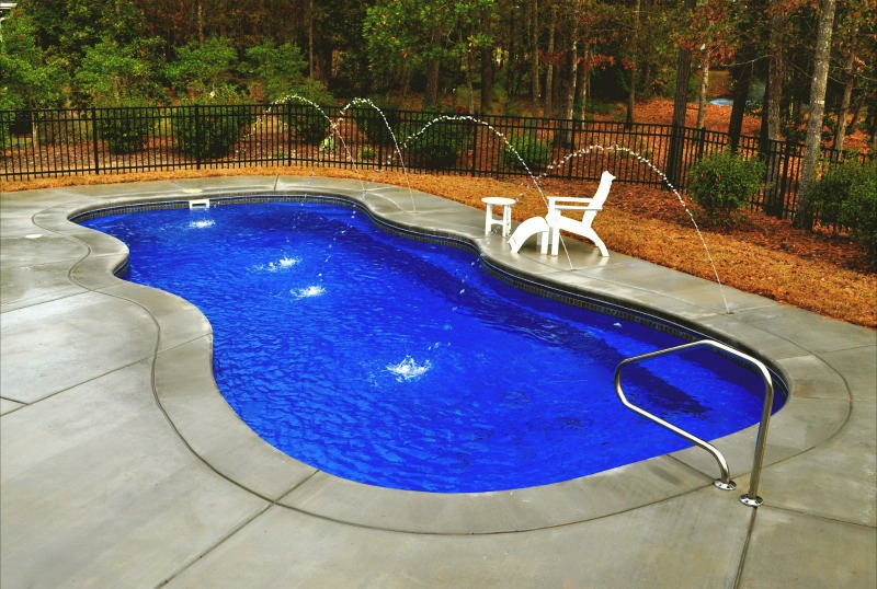 Top 5 Things Every Fibergl Swimming Pool Owner Should Have